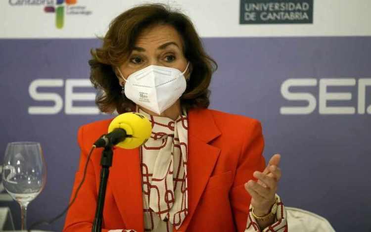 Carmen Calvo luz