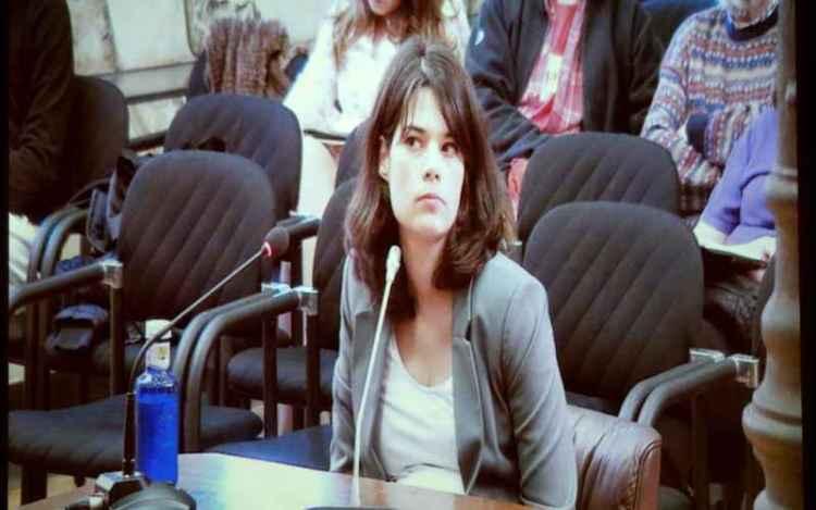 Isa Serra renuncia