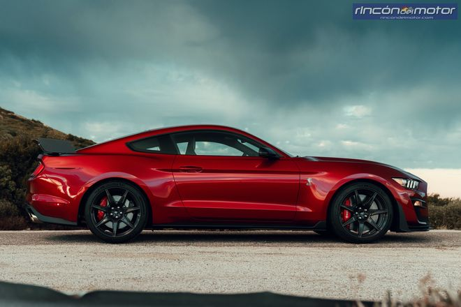 ford_mustang_shelby_gt500_2020-04