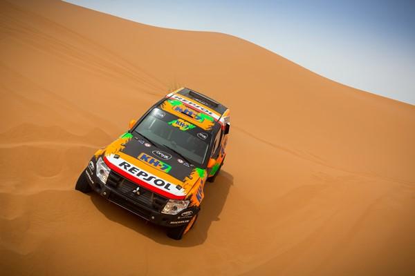 Esteve KH7 Mitsubishi Dakar 17