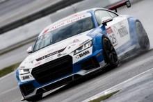Mikel Azcona líder de la Audi TT Cup tras ganar las dos carreras de Nürburgring