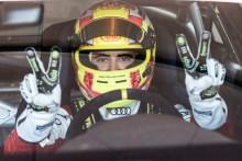 Victoria y subcampeonato para Mikel Azcona en la última de la Audi TT Cup
