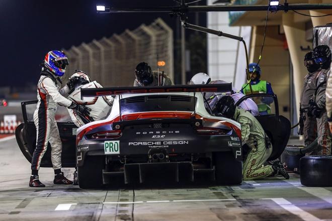 WEC GT-Pro Porsche 911 GT3 boxes