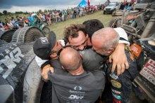 """""""No podemos estar más felices de haber acabado este Dakar tan extremo, que era nuestro gran objetivo"""", Óscar Fuertes en meta de su primer Dakar"""