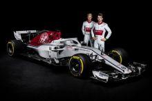 Sauber presenta el nuevo C37 con los colores de Alfa Romeo