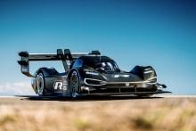 Romain Dumas logra el mejor tiempo de la jornada en Pikes Peak con el prototipo eléctrico de Volkswagen
