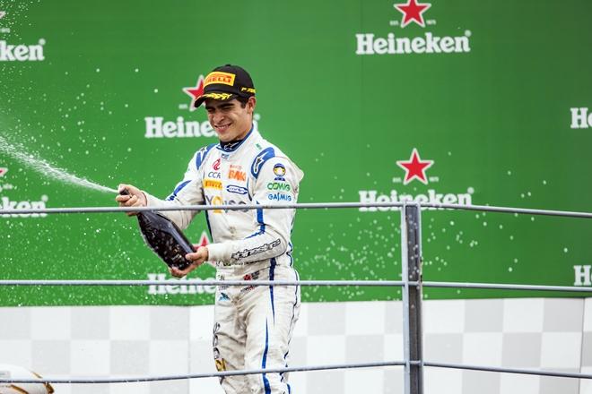 Russell champange f2 podio monza 2