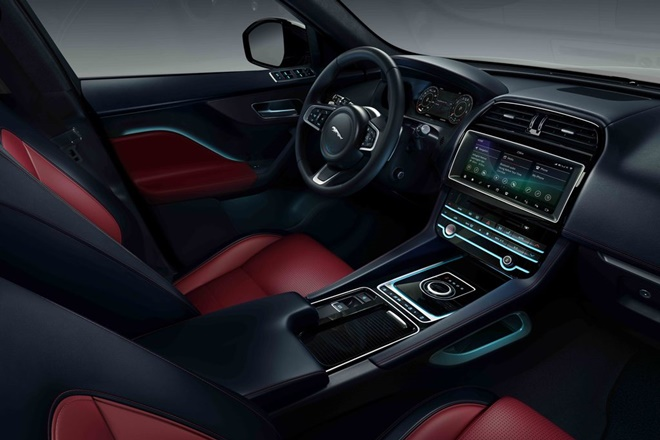 Jaguar F-Pace Chequered Flag interior 2019