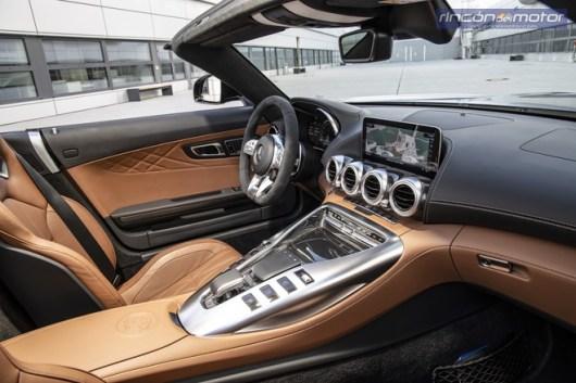 Mercedes AMG GT C Roadster 2019-01