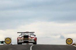 Jesús García en el podio de Turismos con el Porsche