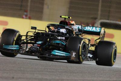 Hamilton le gana la partida a Verstappen
