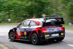 Neuville-Whydaeghe con el WRC se dieron un festín