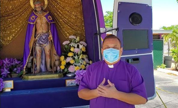 Mensaje del Padre Molina, Entrega de Alimentos