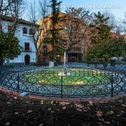 PLAZA DE LOS LOBOS La Plaza de los Lobos fue ideada por el arquitecto Pugnaire en 1850