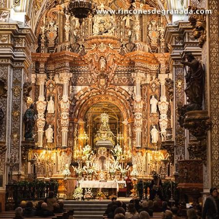 Ofrenda florar a la Virgen de las Angustias @ Basílica de la Virgen de las Angustias (Granada)