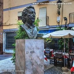 MONUMENTO A RAFAEL MUÑOZ BARBERO