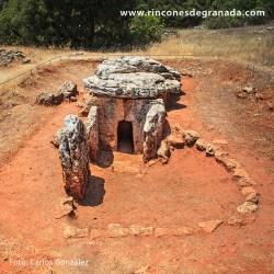 LAS PEÑAS DE LOS GITANOS – MONTEFRÍO Una de las necrópolis megalíticas más importantes de Granada