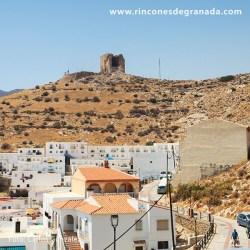 CASTILLO DE CASTELL DE FERRO Desde arriba se domina el pueblo, gran parte de la bahía