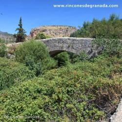 PUENTE ROMANO DE COLOMERA Un viaducto construido probablemente durante el siglo II