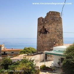 TORRE DE CAMBRILES Construida en el siglo XVI para vigilar la costa