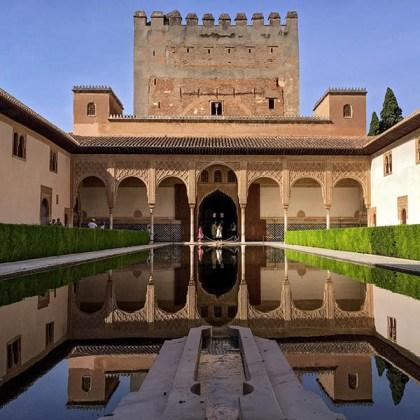 Alberca en el patio central de la Alhambra de Granada - Foto: Olivier Gonzalez