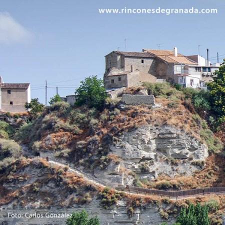 Casa levantada sobre los Restos del Castillo de Benamaurel