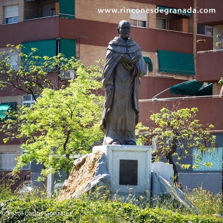 ESCULTURA A FRANCISCO PALAU Y QUER 2
