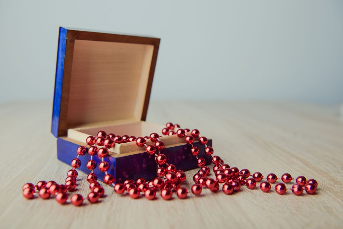 Bead Necklace in Wooden Casket