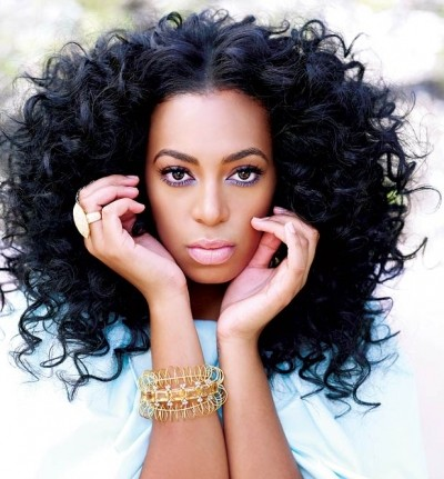Solange Curled Parted Hairdo