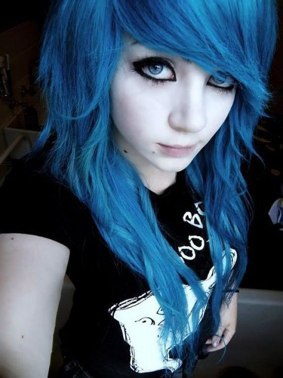 Dipped Emo Hairstyles for Girls