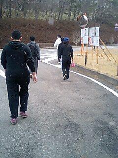 雪の降る中10kmマラソン
