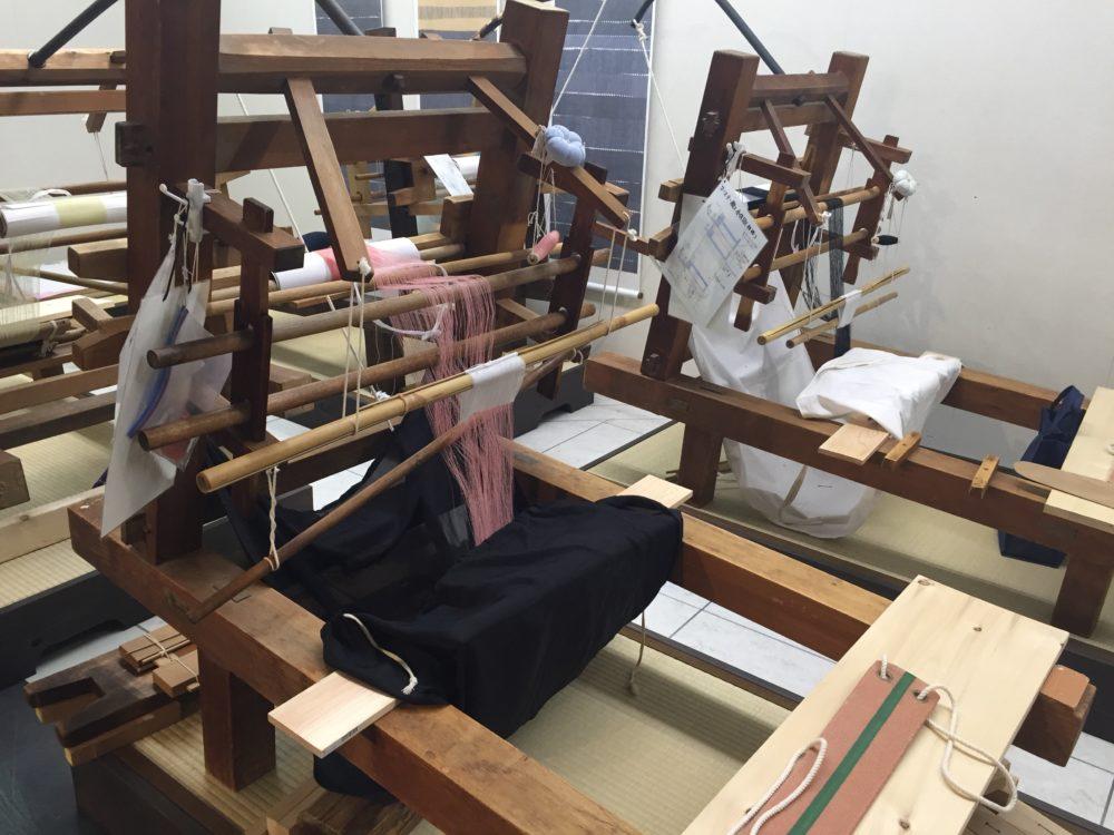 これで結城紬を織るそうな
