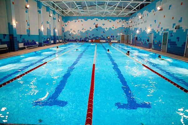 Можно ли плавать в бассейне с насморком — Простуда