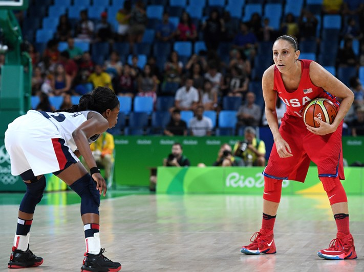 RIO DE JANEIRO, BRAZIL - AUGUST 18: Diana Taurasi #12 of the USA Basketball Women's National Team handles the ball during the game against France during the Quarterfinals on Day 13 of the Rio 2016 Olympic Games on August 18, 2016 at Barra Carioca Arena 1 in Rio de Janerio, Brazil. NOTE TO USER: User expressly acknowledges and agrees that, by downloading and or using this photograph, user is consenting to the terms and conditions of Getty Images License Agreement. Mandatory Copyright Notice: Copyright 2016 NBAE (Photo by Garrett Ellwood/NBAE via Getty Images)