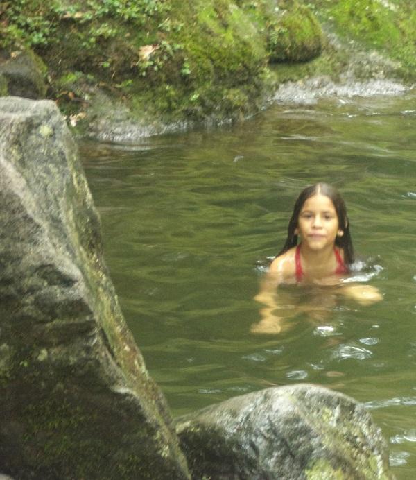 Banho de cachoeira (era verão, então ok!)