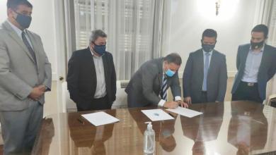 Photo of La Rioja – Mendoza: Quintela firmó acuerdo para generar vínculos estratégicos de cooperación para el desarrollo frutihortícola