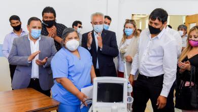 Photo of Entrega de nombramientos y ecográfo: Quintela a paso firme en su plan de garantizar trabajo y acceso a la salud