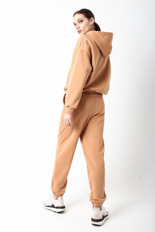 костюм спортивный женский бежевый