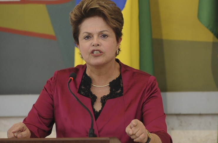 President Dilma Rousseff giving speech at 2012 CDES meeting, photo by Wilson Dias/ABr.