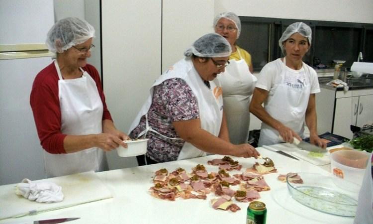 Auxiliar de Cozinha,Controlador de Acesso - R$ 1.200,00 - Ter disponibilidade de horário, atuar no pré-preparo de alimentos - Rio de Janeiro