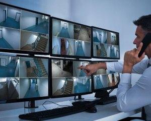 Mensageiro, Operador de CFTV - R$ 1.200,00 - Te boa fluência verbal, atuar no atendimento aos hóspedes - Rio de Janeiro