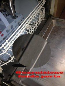 lavastoviglie perde acqua