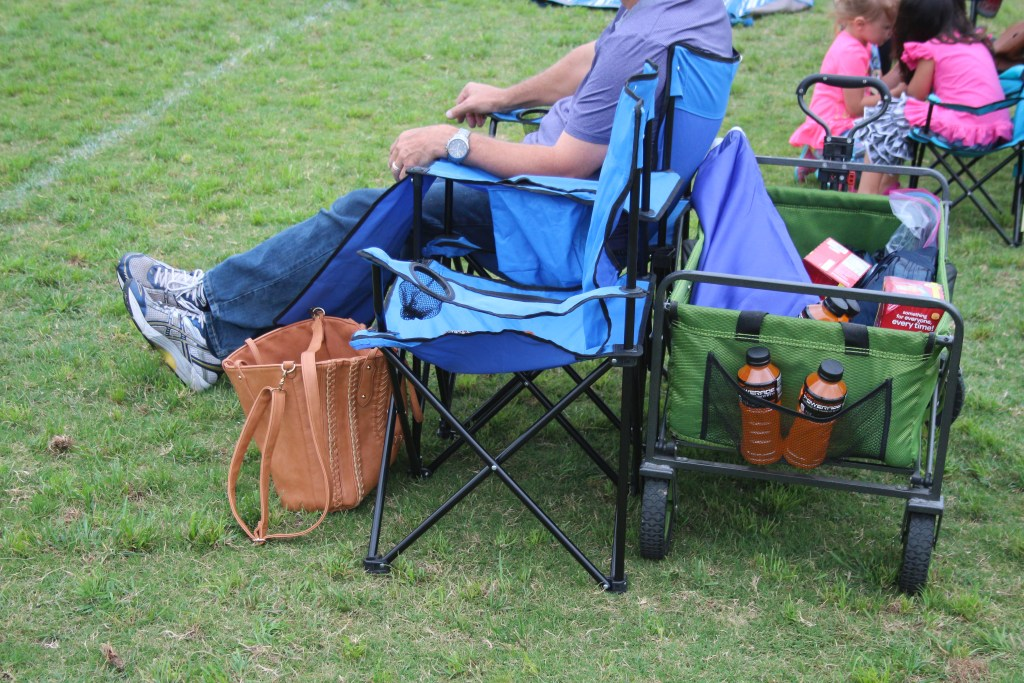 10 Things Every Soccer Mom Knows|Ripped Jeans and Bifocals