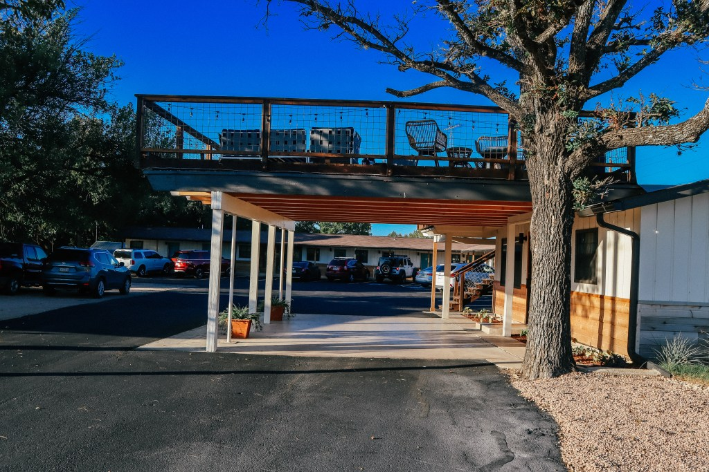How to have an epic couples trip Fredericksburg Texas - Find the right place to stay