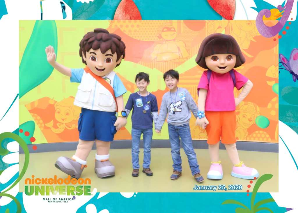 Wondering about taking your kids to mall of america? Check out this parent guide to mall of america. And isn't this picture with Dora and Diego adorable?