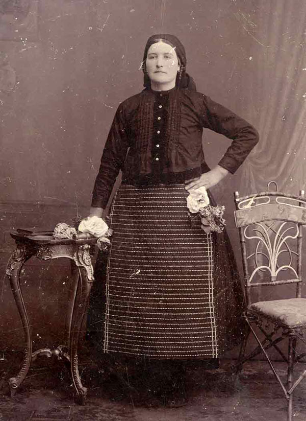 Măria Gătăianț (1917) (opreg, dușancă, sumnă de biță)
