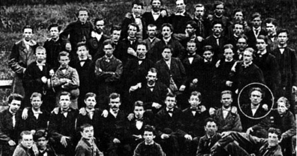 Eminescu cu clasa lui, Cernăuți, 1866