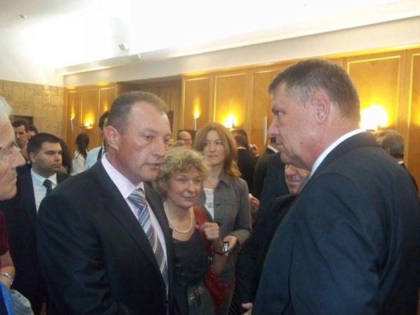 Dr. Dorinel Stan, președintele Asociației  Românii Independenți din Serbia în convorbire cu domnul Klaus Iohannis, președintele României