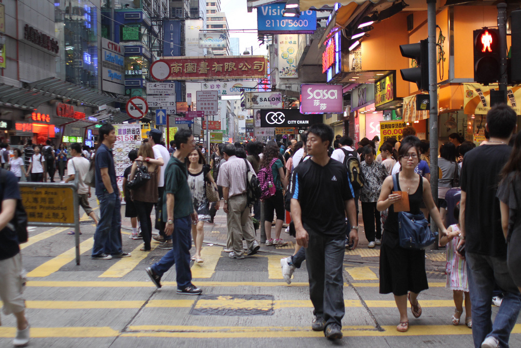 Walk21 wants to make Hong Kong a more walkable city in order to fight climate change and overcrowding. Photo Credit: Yi Chen/ Flickr (CC By 2.0)