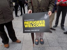 Refugees welcome. Amnesty international.